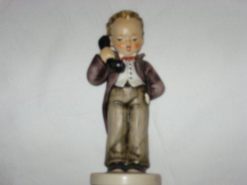 Hello M.I. Hummel Figurine 124/1 Trademark 6 Goebel W.Germany ()