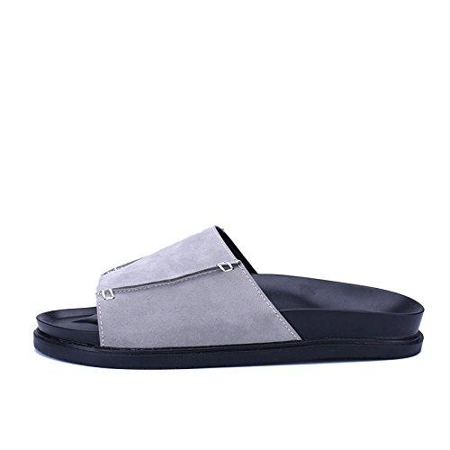 Nuevos estudiantes grandes de los deslizadores los sistemas inferiores gruesos antideslizantes de los pies forman a nueva sandalias frescas del ocio varón. Gris .UK = 9.UR = 43 1/3
