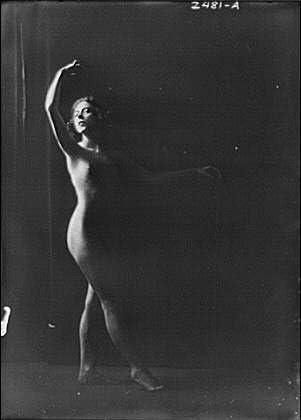 Historic Photographs, LLC Photo: Scott,Dorothy,Miss,Nudes,Dancers,Poses,Lighting,Shadow,Women,Arnold Genthe,1918