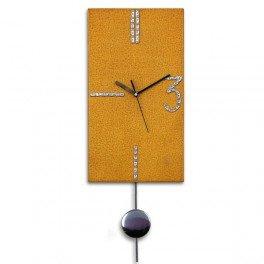 Reloj de Pared Vertical, Yulan .Color Ocre dorado . Diseño moderno.  Fabricación artesanal