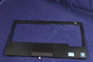 Refurbished Palmrest Assembly (W1J7H - Refurbished - Dell Latitude E6220 Palmrest Touchpad Assembly - W1J7H)