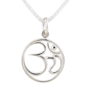 ) Pendant in Sterling Silver on an 18