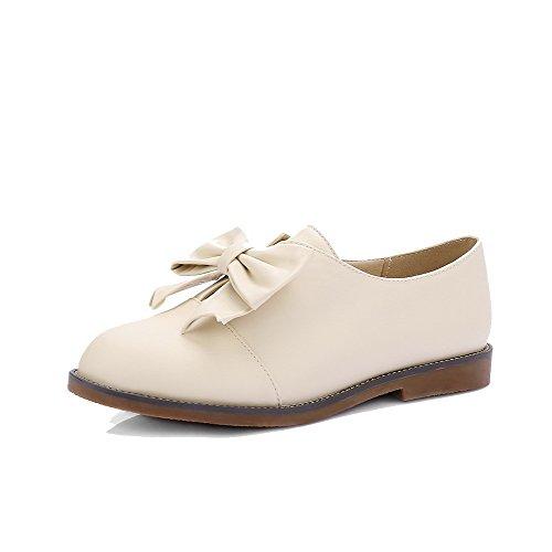AllhqFashion Damen Ziehen auf Rund Zehe Niedriger Absatz Rein Pumps Schuhe Cremefarben