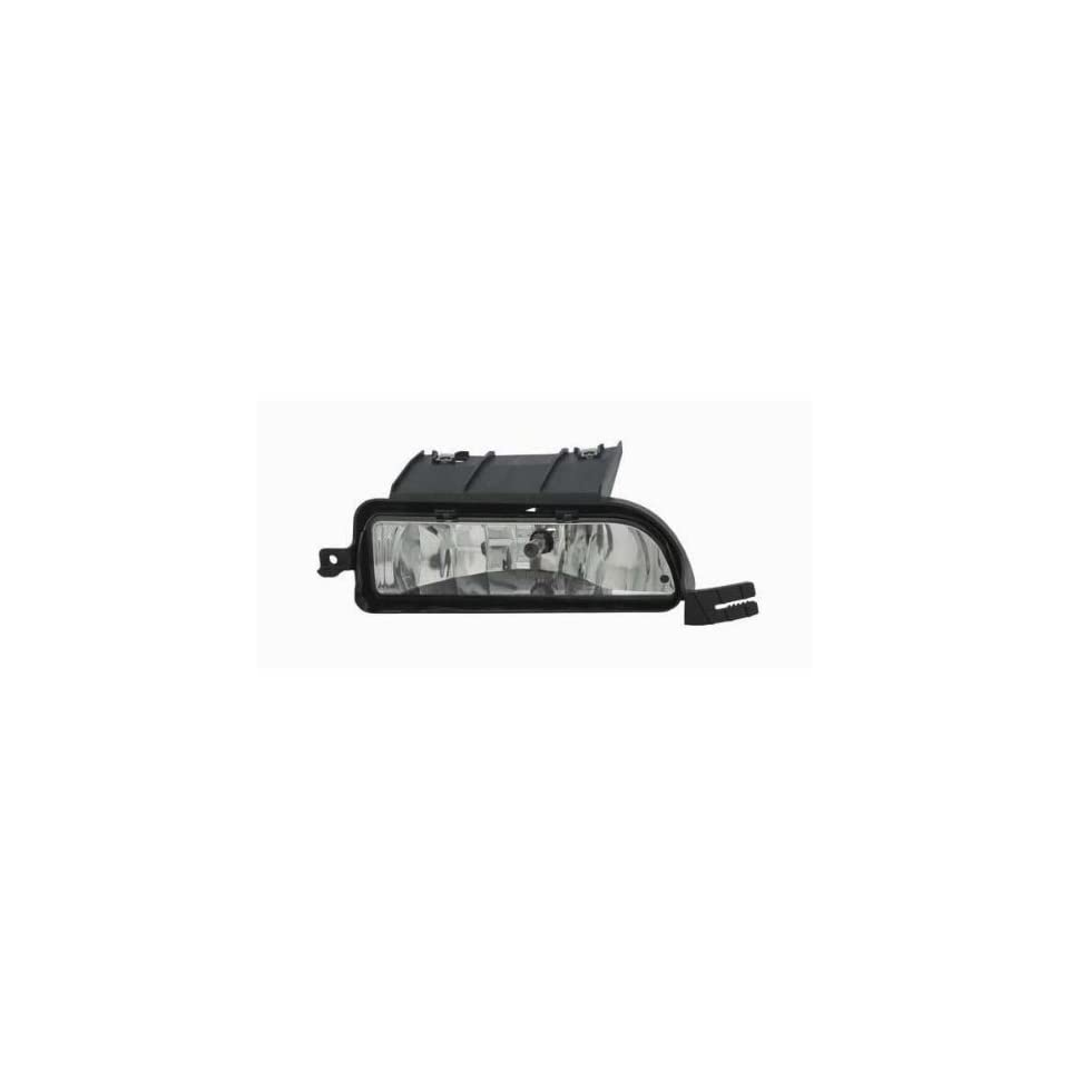 2003 2005 LINCOLN TOWN CAR AUTOMOTIVE NEW REPLACEMENT FOG LIGHT RIGHT HAND TYC 19 5847 00