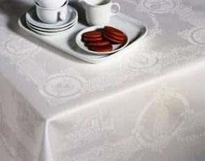 Thomas Ferguson Celtic White Linen Damask Rectangle Tablecloth 72in x 108in (183cm x 274cm)