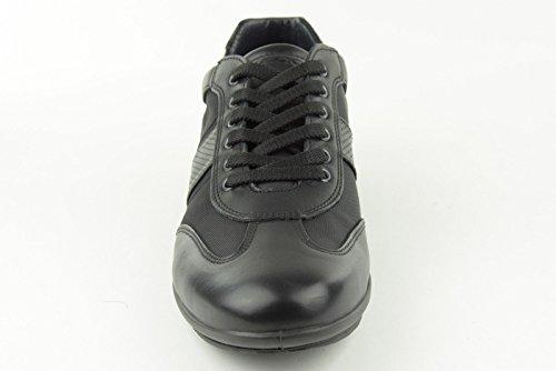 IGI & CO 37022 hombre negro luciendo zapatos elegantes cordones Nero