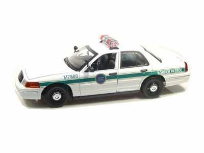 (Ford Crown Victoria Border Patrol Police Car 1/18)