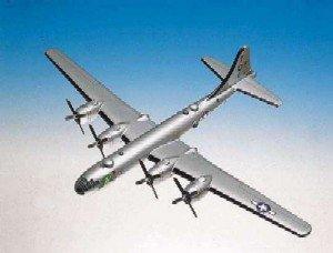 Daron Worldwide Trading A1572 B-29 Superfortress 1/72 AIRCRAFT