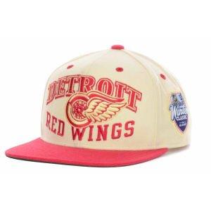 Hat Equipment Reebok Adult - Reebok Detroit Red Wings 2014 NHL Winter Classic Snapback Adjustable Hat