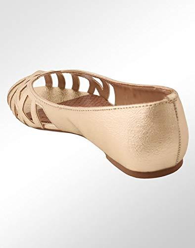 c2e59905cf Sapatilha Via Marte Peep Toe Dourada Feminina  Amazon.com.br  Amazon Moda