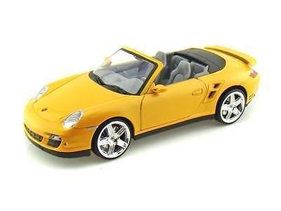Motormax 73183 Porsche 911 (997) Turbo Convertible Yellow 1/18 Diecast Car Model