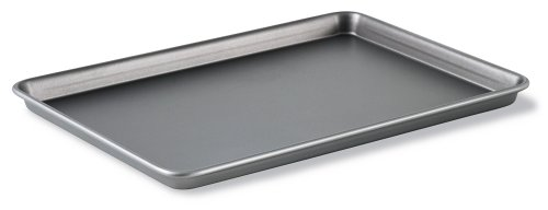 Calphalon Classic Bakeware 12-by-17-Inch Rectangular Nonstick Jelly Roll Pan BW2018