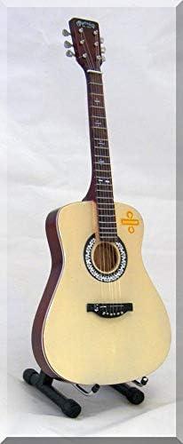 ED SHEERAN Guitarra miniatura Martin: Amazon.es: Instrumentos ...