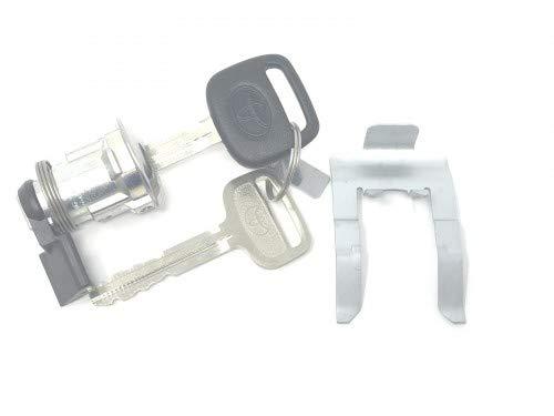 - TOYOTA FUEL DOOR LOCK CYLINDER W/KEYS & Clip 69581-34010 69058-26030 2000-2003 TUNDRA Genuine