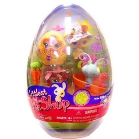 Littlest Pet Shop Figures Spring Egg 4-Pack with Bunny, Kitty, Chick and Butterfly