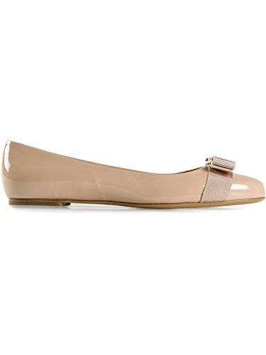Salvatore Ferragamo Women's 0518533 Beige Patent Leather Flats cXr40sHpwG
