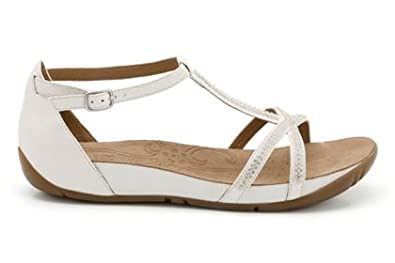 4755d90c805 Clarks Womens Rona Sparkle White Casual Sandals  Amazon.co.uk  Shoes   Bags
