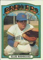 1972 Topps Regular (Baseball) Card# 421 Ellie Rodriguez of the Milwaukee Brewers Ex Condition Ellie Rodriguez Brewers