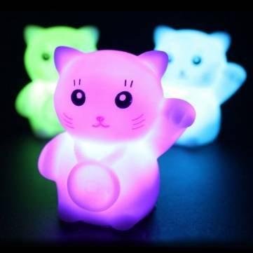 カラフルなフラッシュLucky Cat LEDランプロマンチック装飾夜ライト B0183Z0Z6M