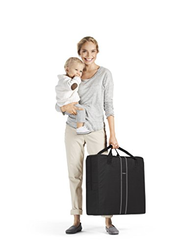 BABYBJORN Travel Crib Light - Black and Fitted Sheet Bundle Pack