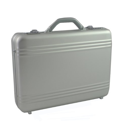 World Traveler Aluminum 17'' Laptop Notebook Computer Attache Case - Silver by World Traveler