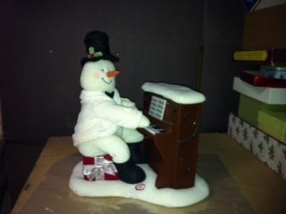 Hallmark 2005 Piano Playing Snowman Techno Plush Animated Singing