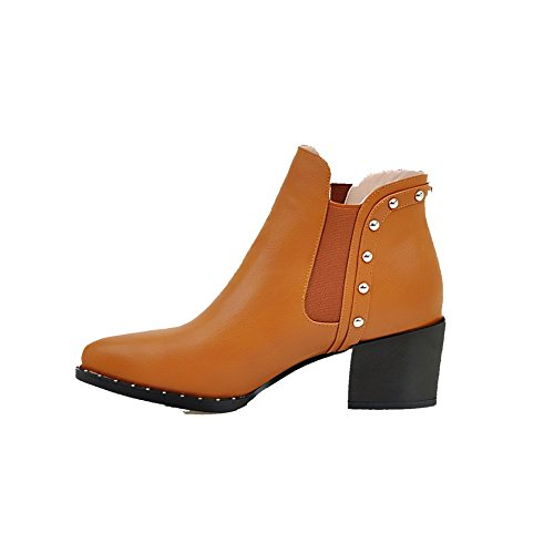 AllhqFashion Damen Knöchel Hohe Eingelegt Ziehen auf Mittler Absatz Stiefel mit Rivet Set, Gelb, 43