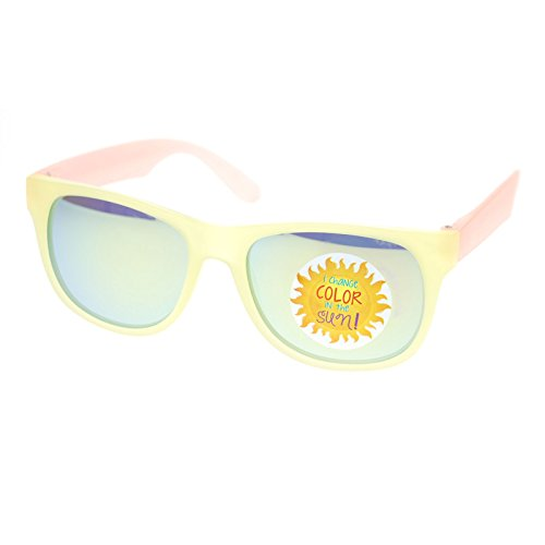 Cute Girly Horn Rim Sunglasse with Photochromatic Plastic Frame Yellow - Color Sunglasses Changing