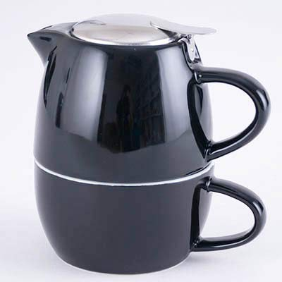 Hinomaru Collection Attractive Colorful Ceramic Glaze 20 fl oz Tea for One Teapot With Stainless Steel Strainer and Lid (Black)
