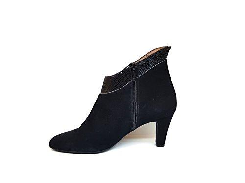 GENNIA Vieira - Women´s Ankle Leather Boots with Kitten Heel NpqJl1Dv
