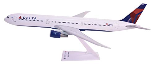 Delta (07-Cur) Boeing 767-400 Airplane Miniature Model Snap Fit 1:200 Part#ABO-76740H-006 ()