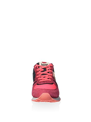 "Running woman Large mesh tongue with lettering exclusive effect ""Dirty Used"" on uppers and laces Suede inserts Leather patch on the heel Padded ankle collar Rubber outsole with Waffle pattern"