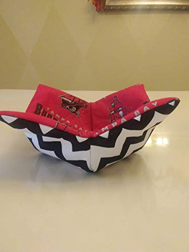 df01563f Amazon.com: ampa Bay Buccaneers Soup Bowl Cozy, NFL Soup Bowl Cozy ...