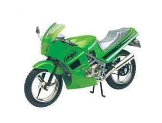 Kawasaki 600R Ninja Modelo Fundido Moto: Amazon.es: Juguetes ...