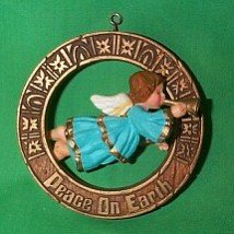 Angel Nostalgia Collection 1977 hallmark ornament