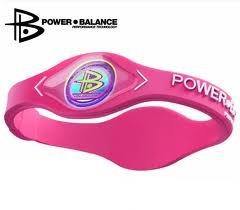 Power Balance pulsera equilibrio pulsera 100% silicona de grado quirúrgico (Letras de color de rosa/blanco) talla mediana