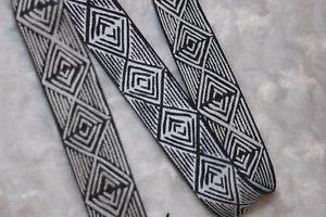 1 Yard Black White Reversible Satin Geometric Jacquard Woven Ribbon Trim 1