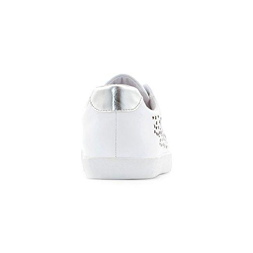 Castaluna Frau Perforierte Sneakers fur Breite Fusse 3845 Gre 42 Weiss
