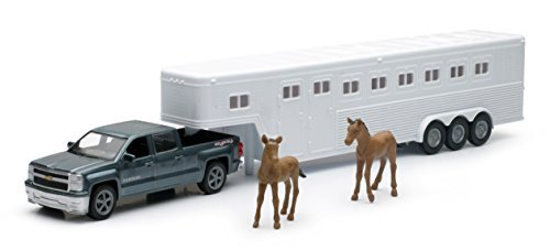 143-scale-chevrolet-silverado-with-horse-trailer-includes-2-horses