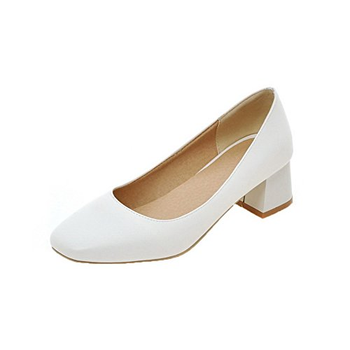 VogueZone009 Women's PU Solid Kitten-Heels Closed-Toe Pull-On Pumps-Shoes White hUYIt