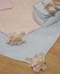 doux-tapis-de-jeu-pour-bebe-70-x-100-cm-bleu-ou-rose-avec-lapin-dangle