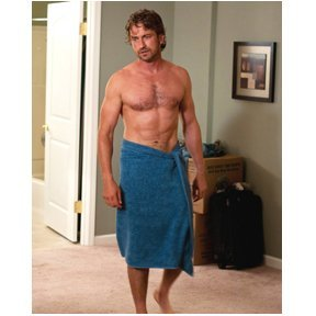 (Gerald Butler 8 x 10 Photo Playing for Keeps The Phantom of the Opera in a towel)