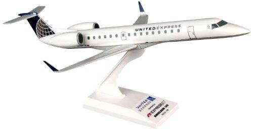 Daron Skymarks United Express ERJ145 Expressjet, 1/100-Scale by Daron (Image #1)