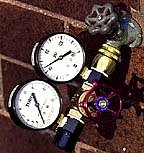 Dual Water Gauge - Pressure (PSI) and Flow (GPM) in One by Toro