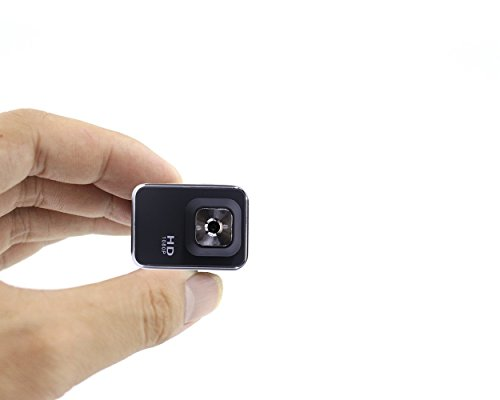 Infrared Night Vision Mini Hidden Spy Camera Full HD 1080P with 140° Wide Angle ,Wearable Mini Spy Camera Wireless Outdoor/Indoor Sports DV Motion Detecting PC Camera Taking Photo Driving Recorder. (Wireless Battery Webcam)