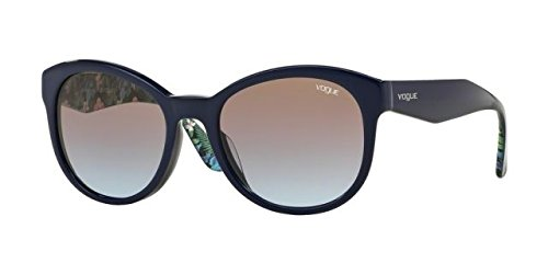 5884c0d021f Vogue Eyewear Sunglasses VO2992SF Asian Fit 232548  Amazon.co.uk  Clothing