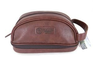 fea2b3a27ba1 Amazon.com   Penguin Leather Travel Kit Bag Mens Brown   Beauty