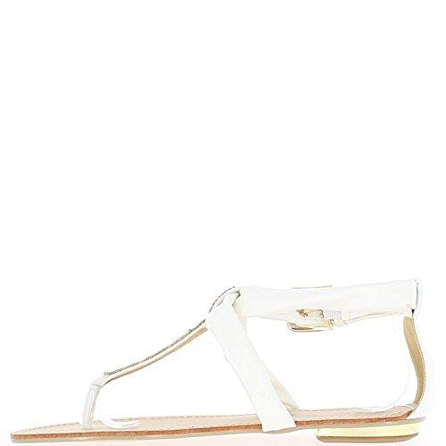 Blancos sandalias con hebilla de oro grande
