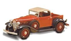 Lindberg 1/32 1932 Chevy Pickup Car Model Kit by Lindberg