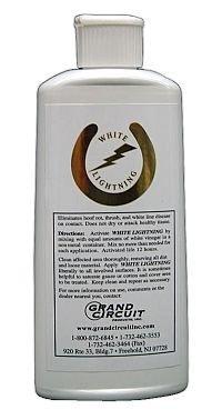White Lightning Grand Circuit Hoof Liquid, 8oz by White Lightning